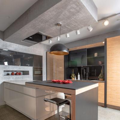 Декоративная штукатурка в салоне кухонной мебели в ArtPlay