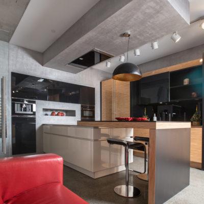 Декоративная штукатурка под бетон на потолке в кухне фото.