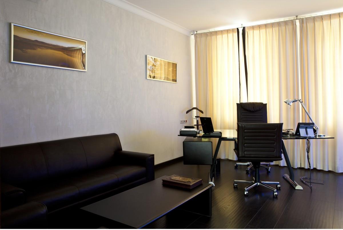 В офисе3