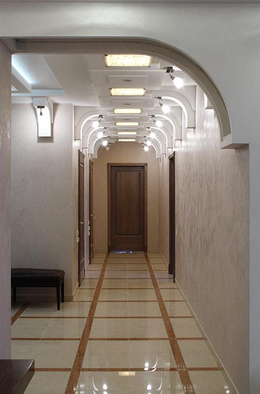 Декоративная штукатурка под мрамор в интерьере квартиры