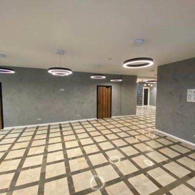 Штукатурка под бетон в коридоре НИИ