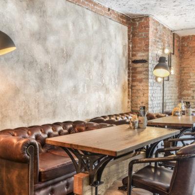 отделка стен ресторана под старину фото